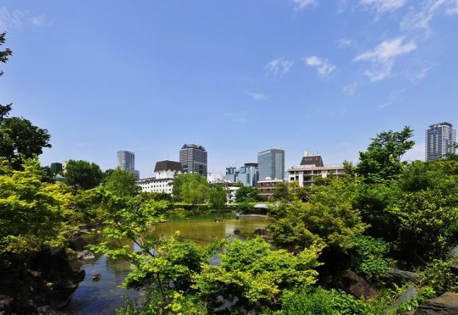政府高官や財界人の邸宅街として発展した街「赤坂」