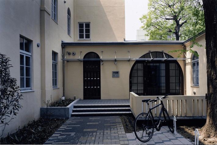 築88年のリノベーション住宅「求道学舎再生物語」