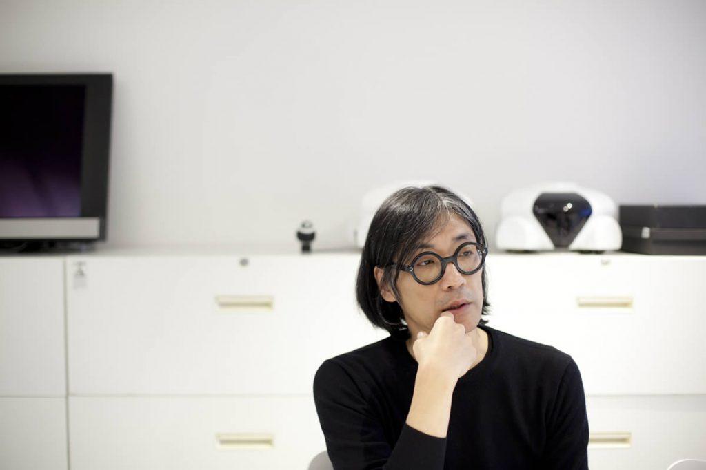 """自らを""""私はモダニスト""""と語るロボットデザイナー・松井龍哉氏が、コルビュジエの「LC7」を偏愛する理由:イメージ"""
