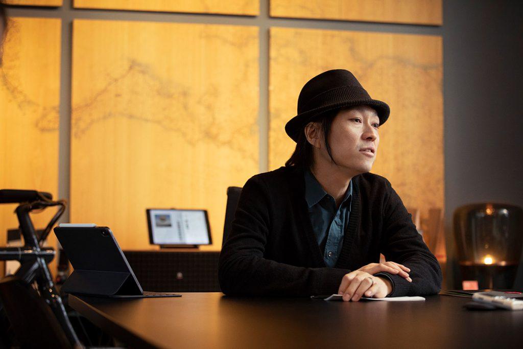 """肩書は「デザインの指揮者」。ボーダーレスに活躍するブランディング・ディレクター、川上シュン氏に問う""""豊かな暮らし"""":イメージ"""