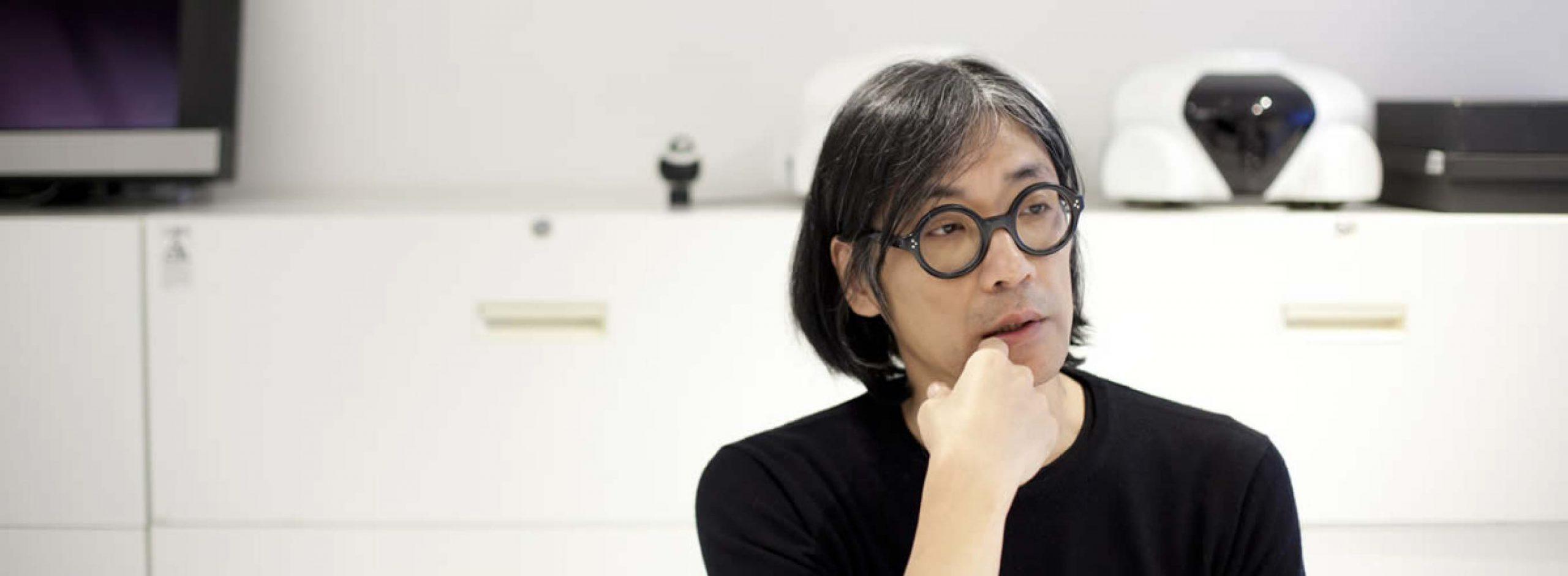 ロボットデザイナー・松井龍哉氏が、<br>コルビュジエの「LC7」を偏愛する理由